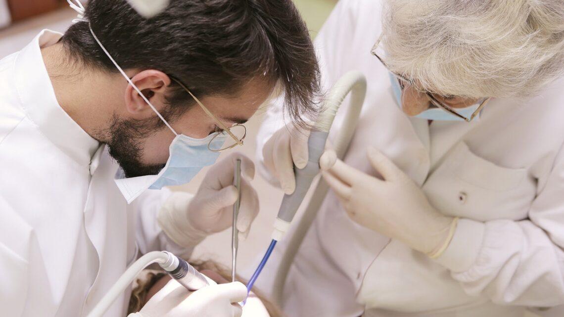 Sie suchen eine Zahnklinik Ulm?