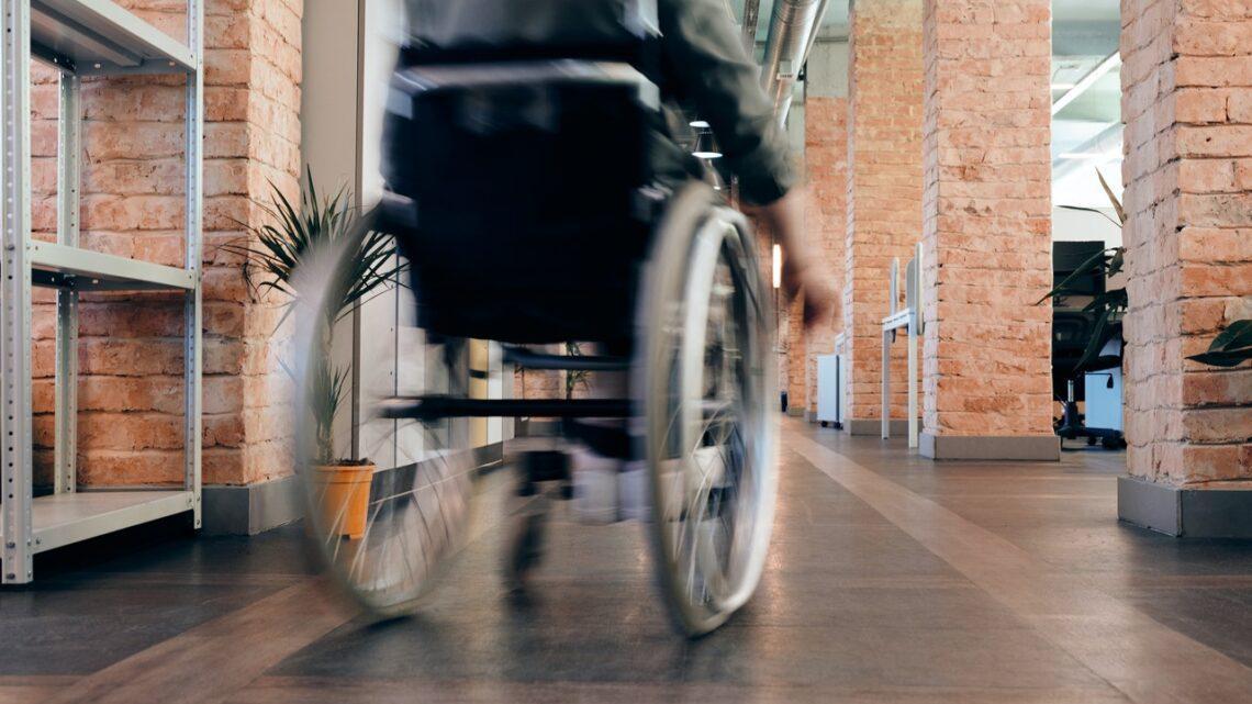 Plattformlifte – Eine praktische Hilfe für Rollstuhlfahrer